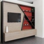 meuble TV bois original et rouge