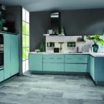 Cuisine bleu aqua + crédence marbre Nobilia - Cuisines DEBARD